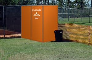 mobile campingkabine als sichtschutz und windschutz beim. Black Bedroom Furniture Sets. Home Design Ideas