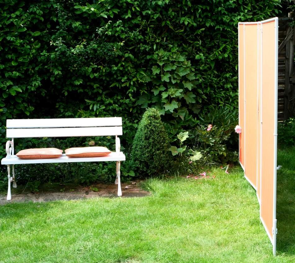 im schwimmbad bereiche mit windschutz schaffen durch mobilen sichschutz parvent von peddy shield. Black Bedroom Furniture Sets. Home Design Ideas