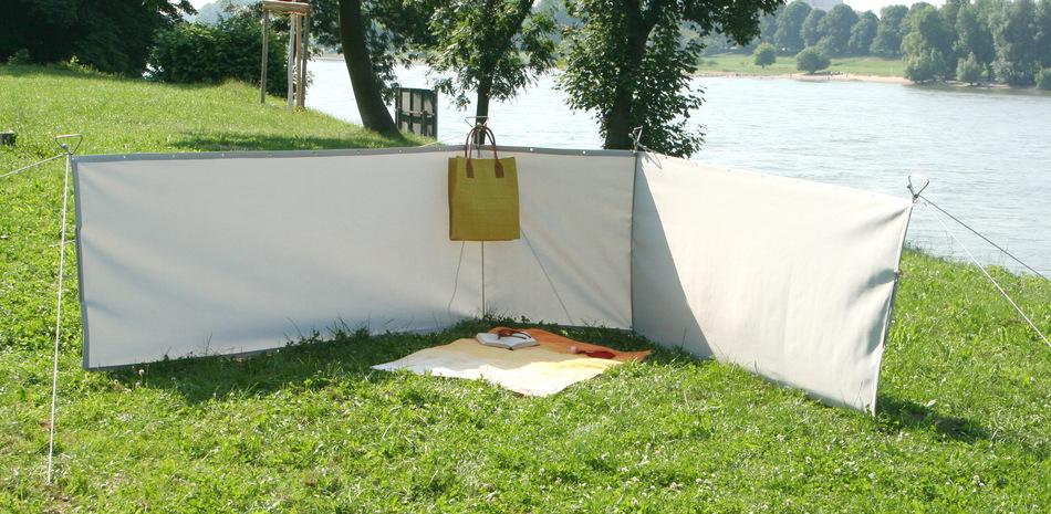 windschutz paravents f r bereiche auf rasen mit schraub erdankern. Black Bedroom Furniture Sets. Home Design Ideas